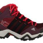 Nizki pohodni čevlji so vsestranska obutev